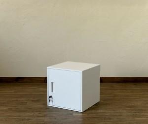 鍵付きロッカー扉付き キューブBOX JAC-04ホワイトWH 収納キャビネット 貴重品保管 スチール製ロッカー 収納ボックス