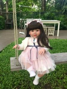 トドラー人形 プリンセスドール リボーンドール 抱き人形 約70cm 衣装付き 黒髪ロングヘア ブラウンアイ 女の子