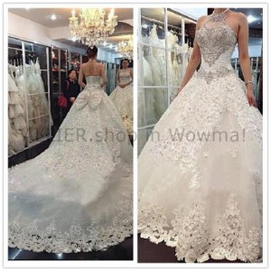 ee037924c3255 ウェディングドレス ホルタークリスタルの豪華な花嫁衣装アップリケキラキラのウェディングドレスのサイズ