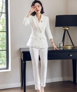 ホワイトダブルボタンジャケットのパンツスーツ☆テーラードジャケット テーパードパンツ ハンサムスーツ かっこいい 白スーツ OL