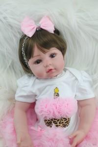 リボーンドール ショート髪 女の子 プリンセスドール トドラー人形 赤ちゃん人形 ベビードール リアル 衣装付き 綿シリコン 55cm