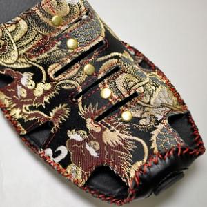和柄サンダル メンズ コンフォートサンダル 和風 大人おしゃれカジュアル 竜図金襴雷龍青赤フルカバーサンダル