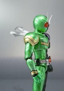 S.H.フィギュアーツ 仮面ライダーW サイクロンジョーカー