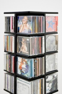 【すぐ使えるクーポン進呈中】【送料無料!ポイント2%】CD・DVD・ビデオ収納!省スペースなスリムタイプ!回転式マルチタワーラック