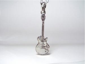 ネックレス ギター レスポール エレキギター シルバー メール便送料無料 Rock Guitar ロック V系 バンギャ パンク 千均 M-3027