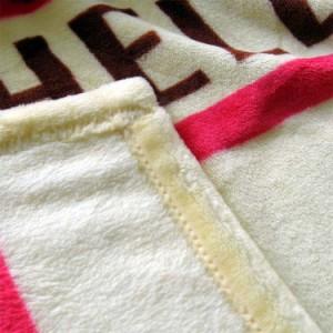 ハローキティ ハーフケット 毛布/ハーフ毛布/ブランケット/ひざ掛け/サンリオ  子供用・ジュニア用