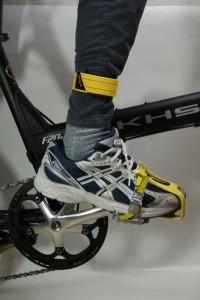 自転車裾留めバンド IPPON  リフレクティブサイクリング用すそバンド  ズボンクリップ  伸縮生地で快適 強力反射