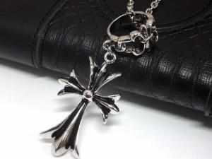 【メール便送料無料】 ネックレス 十字架 百合の紋章 クロス フレア シルバー Rock ロック V系 アメカジ  M-3540
