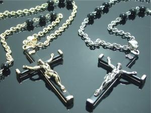 ロザリオネックレス クロス 十字架 キリスト イエス シルバー ゴールド メール便送料無料 ロック V系 バンギャ M-753