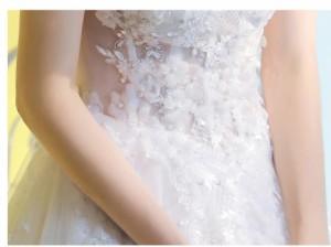 オフショルダー フェミニン 優雅 ウェディングドレス パーティードレス ロングドレス トレーン レース 素敵 花嫁 挙式 卒業式 編み上げ