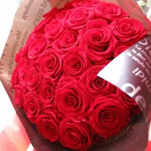 ホワイトデー お返し 花 プリザーブドフラワー 花束 赤バラ 成人の日 大輪系赤バラ20本使用 プリザーブドフラワー 花束 枯れず