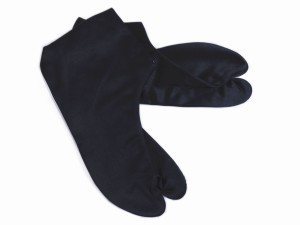 粋なメンズ男性黒朱子足袋4枚こはぜ(25.0〜28.0cm) カジュアル着物黒足袋 日本製
