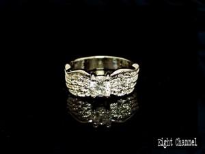 指輪 天使の羽根 エンジェル フェザー メール便送料無料 キュービックジルコニア 男女OK V系 ロック バンギャ 千均 R-3116