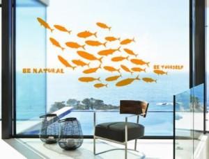 ウォールステッカー お魚のシルエット 魚群 マリン風 英語のメッセージ (オレンジ)