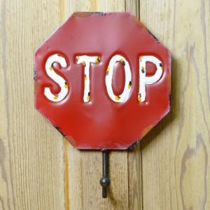 壁掛けフック STOP アンティーク風 13-18RH 26.5cm×19.5cm[sda077604]