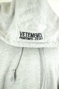 vetememes (ヴェトミームス) プルオーバーパーカー サイズ表記無 メンズ 【中古】【ブランド古着バズストア】