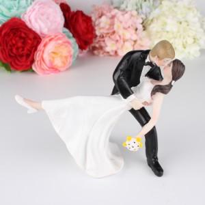 cyndie ケーキトッパー ウエディング ロマンチック ケーキ飾る用品 超おもしろい ウェディング フィギュア 結婚式 周年記念 装飾 花嫁|au  Wowma!(ワウマ)