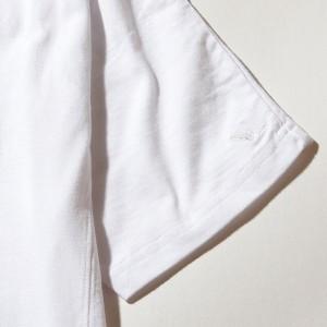 ウノピュウウノウグァーレトレ リラックス(1PIU1UGUALE3 RELAX)/1PIU1UGUALE3 RELAX(ウノピゥウノウグァーレトレ) 刺繍ロゴVネックT…