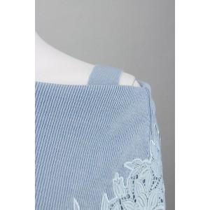 ローズティアラ(大きいサイズ)(Rose Tiara)/全3色【大きいサイズ】【42・46】刺繍レース使いオフショルダー風ニット
