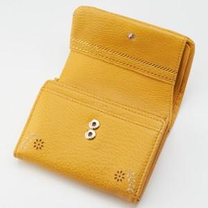 414352310ca7 フレームワーク(FRAME WORK)/花柄レーザーカットデザイン 2つ折り財布 0041801. カラー(63)