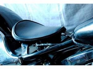 部品屋K&W バルカン400 シート関連パーツ 専用ソロシートKIT リジットタイプ(プレーン) 黒
