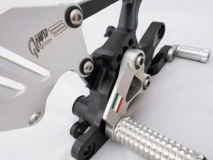 ギアモト YZF-R1 バックステップ関連パーツ バックステップキット スタンダードタイプ(ゴールド) ブラック