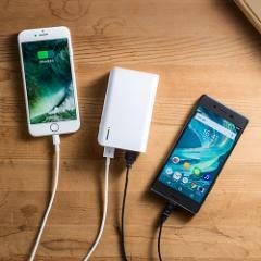 大容量 モバイルバッテリー 10050mAh USB 2ポート iPhone iPad タブレット Android スマホ 充電 ホワイト[700-BTL029W]