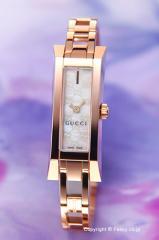GUCCI グッチ 腕時計 レディース G-リンク バングル ホワイトパール YA110522