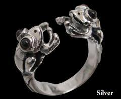 カエルの指輪(ガーネット)11号フリーサイズ メイン 指輪 リング 指輪動物銀人気