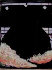 ■正絹黒留袖・お誂え仕立て付■(平安絵巻柄)no201