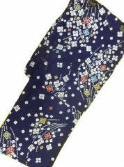 京都で一番浴衣を販売する小売屋さんお薦め 仕立て上がり浴衣  対応身長 154cm-165cm 綿紅梅 紺地 絞り 小花 柄 No.3113