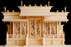 鳳翔彫刻入三社 ■ 美・木曽ひのき 屋根違い 三社 鳳凰の彫刻に赤御簾 神棚