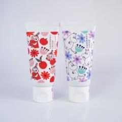 【新商品】ムーミン ハンド&ネイルクリーム サボンとフラワーブーケの香りの2種セット