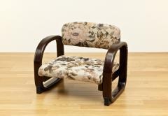 座面の高さが3段階に調整可能なラクラク座椅子
