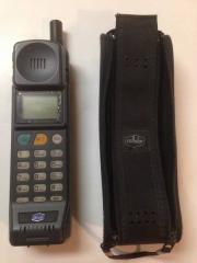 【レア物】 レトロな電話 セルラー製 携帯電話 !