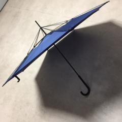 濡れても濡らさない ユニークな アイデア 逆さま傘 ☆