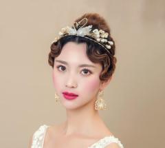 新作 上品 ティアラ ピアス 2点セット ブライダル 二次会  披露宴 ウェディング小物 花嫁 結婚式