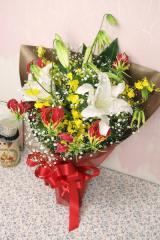 ロイヤルブーケ(グロリオサとカサブランカ花束)