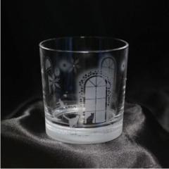 猫モチーフのロック・グラス【冬の洋館】 オリジナル 猫 誕生日 記念日 プレゼント ギフト ハンドメイド