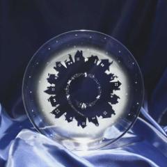 猫 モチーフのガラスの中皿【vol.1】夜の屋根の上で オリジナル デザイン プレゼント ギフト 誕生日 記念日 ハンドメイド