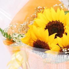 ひまわりとかすみ草の花束 誕生日 花 花束 ひまわり 結婚記念日 母の日 父の日 お供え 命日