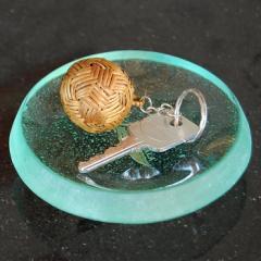 アタのボール型キーホルダー