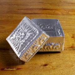 アジアン雑貨 アルミの四角いケース S