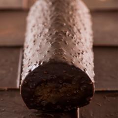父の日 ギフト 「アマンドショコラロール」 ロールケーキ 堂島ロール モンシェール 誕生日 チョコレートケーキ 送料無料