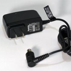 マキタ 充電器【CL105D用 DC1001】 【宅急便コンパクト対応】