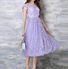 c52d70346a072 結婚式 お呼ばれ ドレス ワンピース とびきり可愛いお姫様風 フラワーレースのラベンダープリンセスドレス ミモレ