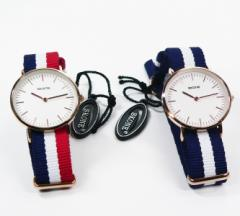 【こちらはギフトボックス無し】日本製ムーブメント使用。SKONE 61656L 32ミリ径の小さめのレディース腕時計 高品質