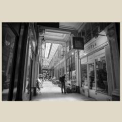 「パサージュ・ヴェルドゥの午後。パリ9区。 / PASSAGE VERDEAU」 限定制作プリント (A4プリントのみ/額なし)(作品番号付き)