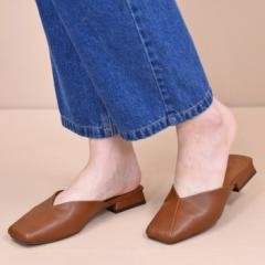 靴 レディース シューズ ミュール パンプス スクエアトゥ フラット おしゃれ かわいい 大人 ローヒール 黒 ブラック 合皮 21683
