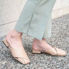 靴 レディース シューズ ミュール パンプス スクエアトゥ フラット おしゃれ かわいい 大人 ローヒール 黒 ブラック 合皮